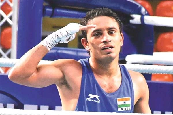 Four Indian boxers including Amit reached quarter finals of World Championship