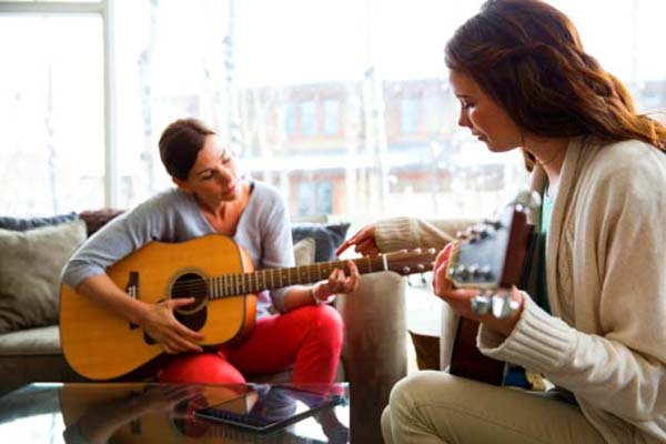 Playing guitar is beneficial for heart and mind - experts said