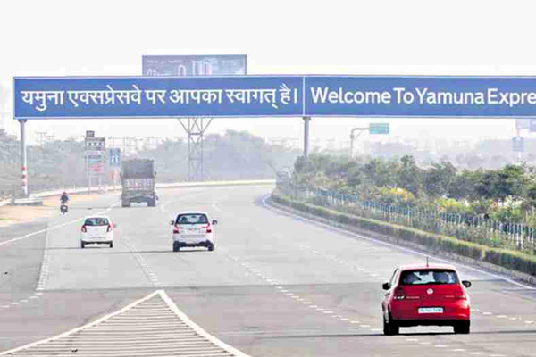 This year 154 people lost their lives on Yamuna Expressway of Uttar Pradesh