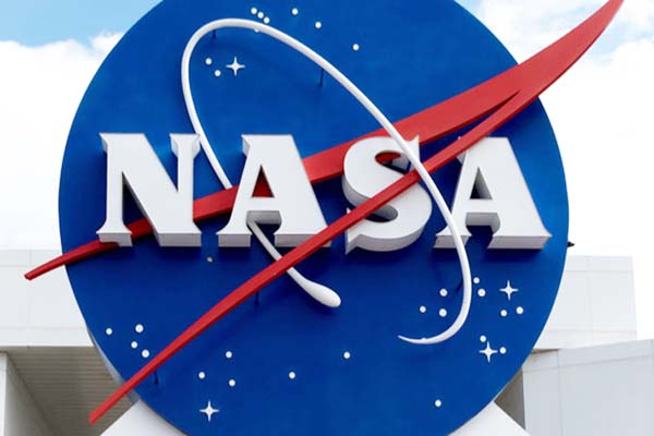 US space agency NASA preparing for mission manned on moon
