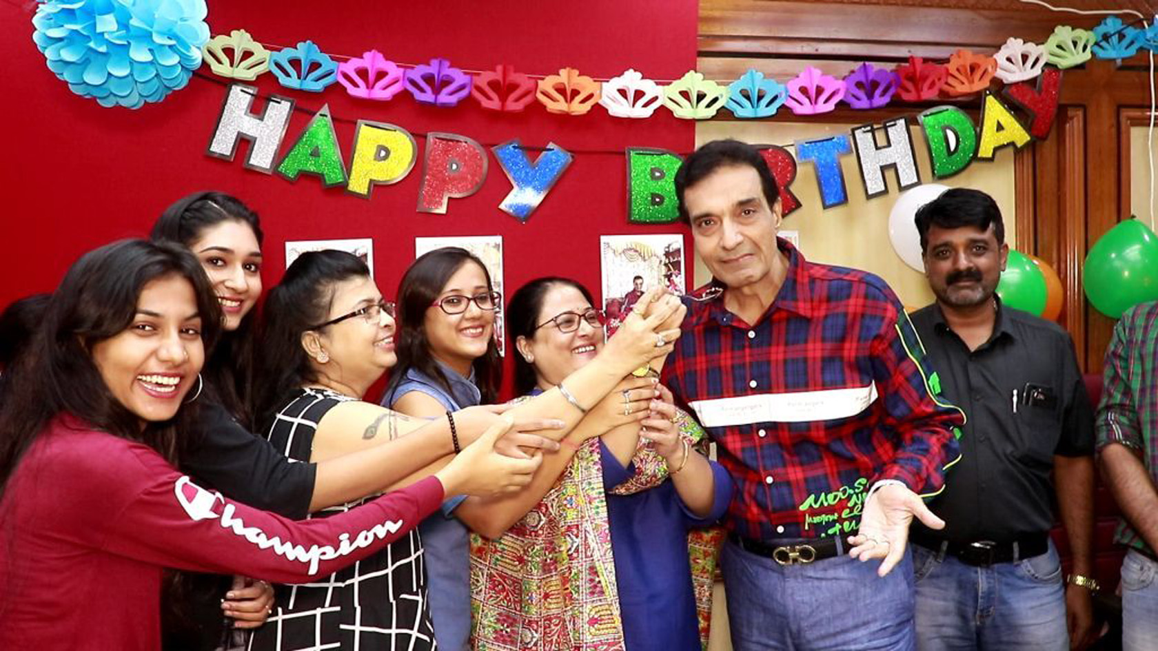 Actor, Producer and director celebrated his birthday in grand style – Bank of Bollywood dheeraj kumar with staff
