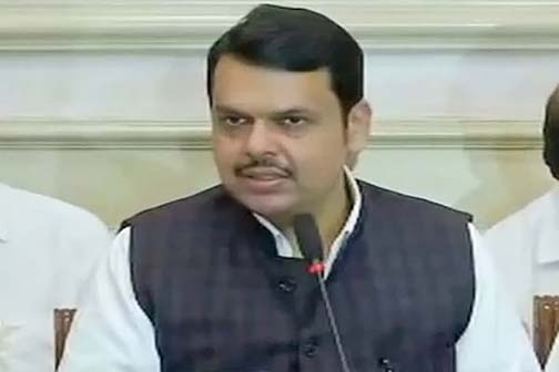 Fadnavis accepts defeat before floor test, resigns from CM post