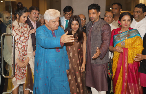 Bollywood Poet Javed Akhtar, Farhan akhtar, Shabana Azmi, Zoya Akhtar and Shibani Dandekar At his own painting exhibition and the Launch  Painting exhibition and the Launch of His special pen edition in Mumbai 20200115174010 IMG 4567