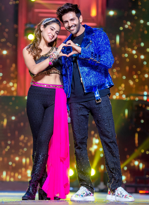 kartik aryaan and sara ali khan performs at Umang 2020, a Mumbai Police Welfare Fund's Initiative, at BKC, Mumbai.