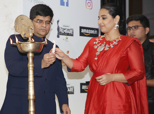 Bollywood actress Vidya Balan , Filmfare Editor Mr. Jitesh Pillai attends the Press Conference of 65th Flimfare Awards 2020  Actress Vidya Balan attends the Press Conference of 65th Flimfare Awards 2020 – Bank of Bollywood 928A0397