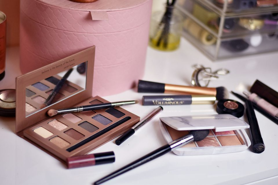 Best Hacks that Neatly Organizes Your Make up Routine newz of day