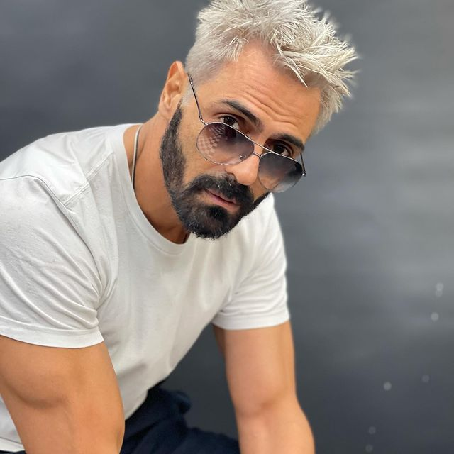 The new look is from his upcoming film Dhaakad, in which Arjun Rampal is expected to play the villain.